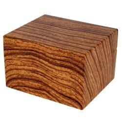 Logo nélküli karóra doboz, fa barna színű külső felülettel, párnás belső kialakítás